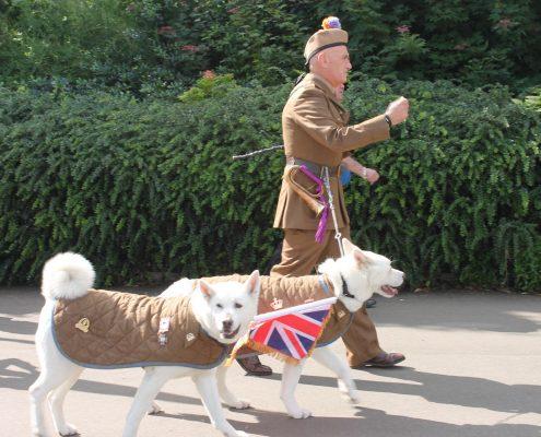 nos no mundo site viagem desfile glasgow escocia